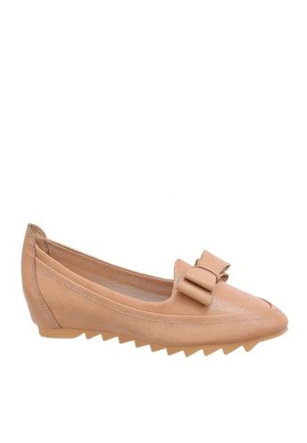 Twenty Eight Shoes 米褐色 舒適內增高休閒鞋 VC06632 09D9ESH3DD1DA6GS_1