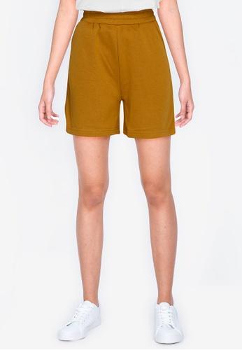 ZALORA BASICS yellow Sweat Shorts EEAD6AAB6A5BDBGS_1