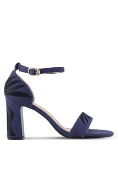 【ZALORA】 一字帶印花麂皮粗跟涼鞋
