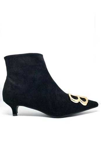 Twenty Eight Shoes 黑色 BB飾釦尖頭小踭踝靴211 B14E5SHE7CC167GS_1