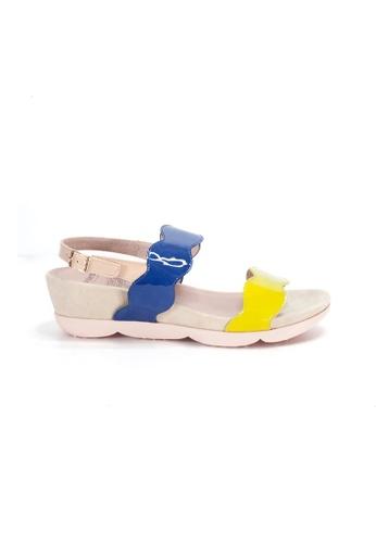 Shu Talk 黃色 WONDERS 漆皮波浪帶舒適涼鞋 01ADESH3D9E210GS_1