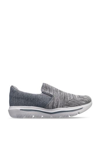 UniqTee 灰色 Lightweight Slip-On Sport Sneakers 1C9E0SHE687C6FGS_1