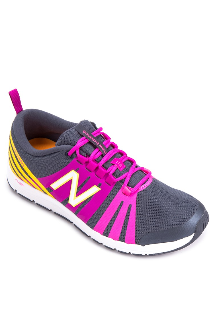 811 Womens Training Shoes