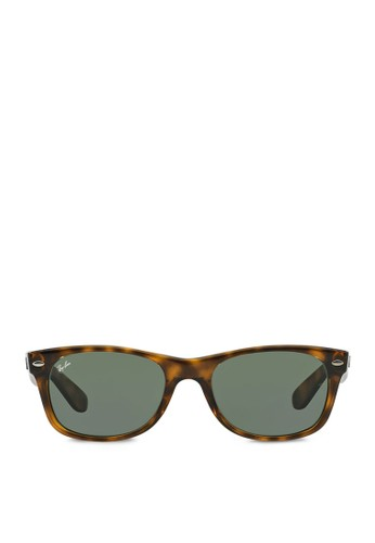 Jual Ray-Ban New Wayfarer RB2132 Sunglasses Original   ZALORA ... c2a054ecb41f