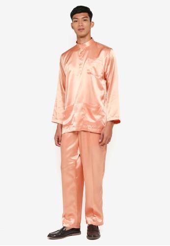 Gene Martino gold Traditional Baju Melayu 07605AA7AB4C04GS_1