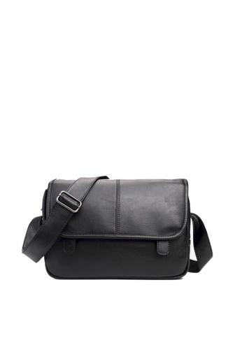 63a854f0089dd0 Buy Lara Messenger Bag for men Online on ZALORA Singapore