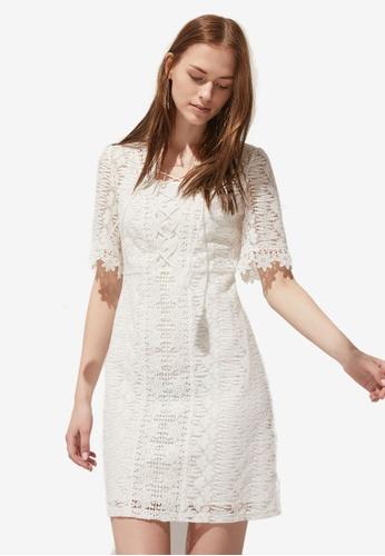 Hopeshow white V Neck Floral Lace Dress B7FABAA0349E60GS_1