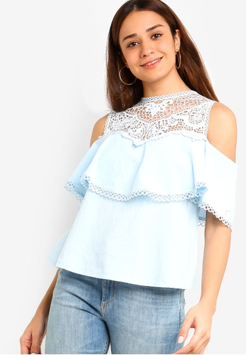 ZALORA 藍色 Cold Shoulder Top with Trims 19AC9AA352B9BEGS_1