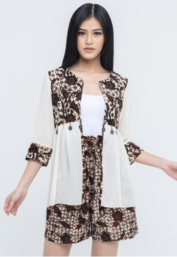 SAVI Batik white Gypsy Batik Chiffon Outer 09193AA2F4792BGS_1