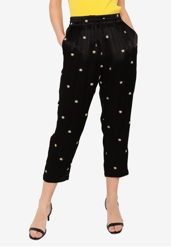 Hopeshow black Animal Embroidery Slim Fit Capri Pants with Elastic Waistband 6B80CAA2FDE8E6GS_1