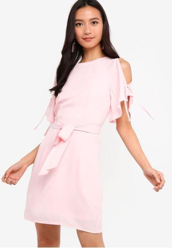 ZALORA 粉紅色 Split Raglan Sleeves Shift Dress With Self Tie BB148AA3B1FA01GS_1