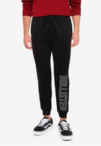 Hollister black Tech Logo Jogger Pants 26009AA804680EGS_1