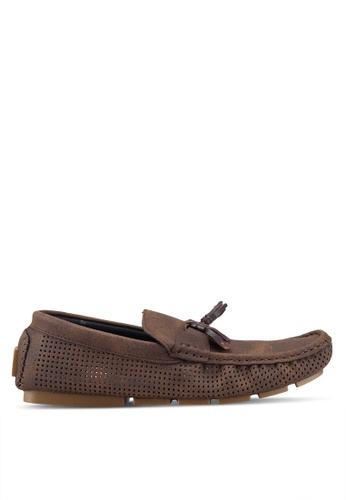 UniqTee brown Slip On with Tassels and Peforated Detail 59230SH903B891GS_1