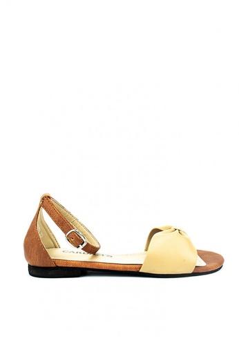 Cardam's Lifestyle beige Yuki Flats 9B397SHFBB3B4CGS_1