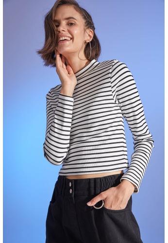 DeFacto 米褐色 Long Sleeve Round Neck T-Shirt 3E204AA69A1B57GS_1