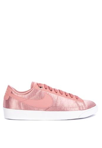949082bd1de01 ... norway nike white and pink womens nike blazer low se shoes  8302ash74638d5gs1 4e36a 1e368