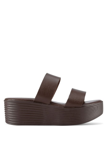Spiffy brown Faux Leather Strappy Wedges SP352SH0RNNKMY_1