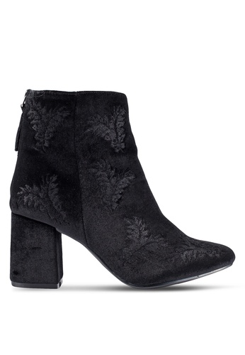 ZALORA black Embroidered Ankle Boots 5E748ZZB9D969FGS_1