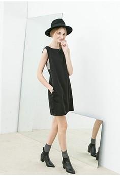 [QUEENSHOP] Elegant Sleeveless Dress with Houndstooth Back
