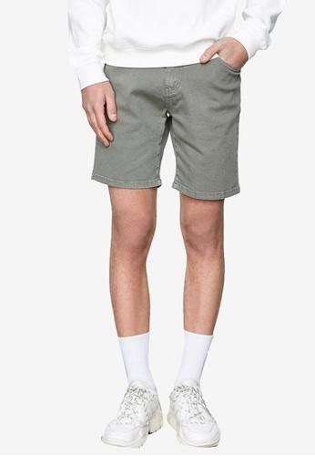 Urban Revivo green Classic Denim Shorts 1525CAAD45989AGS_1