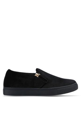 ZALORA 黑色 天鵝絨拉鍊懶人鞋 E0984SH2FD1BDAGS_1