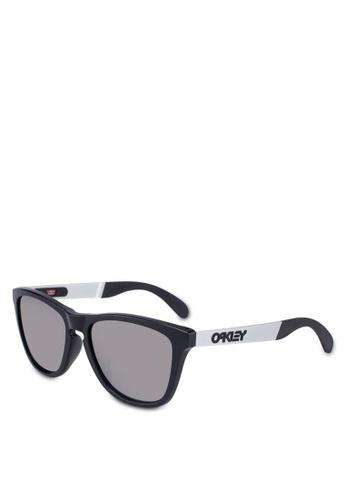 c0c3139a81 Buy Oakley Performance Lifestyle OO9428F Sunglasses Online on ZALORA  Singapore