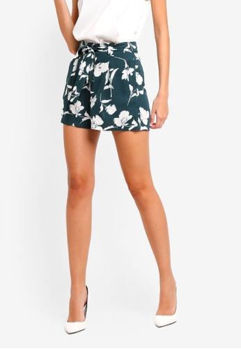 ZALORA green and multi Tailored Paper Bag Shorts 48B59AA999F229GS_1