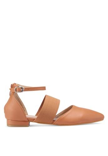 Something Borrowed 褐色 休閒繞帶平底鞋 B82FFSH0969C68GS_1