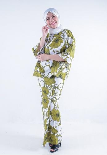 Kaftan Kedah Peony from Secretcode in White and Green