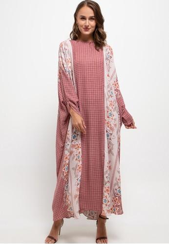 Kamilaa by Itang Yunasz pink Kaftan Modern 21CBDAA51FA126GS_1