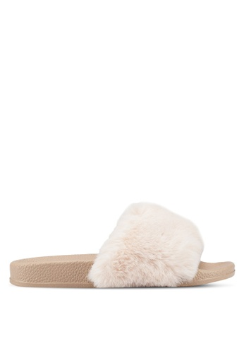 GAP beige Fall Pool Slides 691BBSHFAC696DGS_1