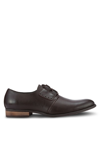 ZALORA brown Contemporary Faux Leather Dress Shoes 37EDEAA2762025GS_1