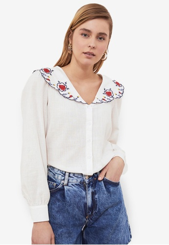 Trendyol white Embroidered Collar Blouse 56E9EAA4F9C1EAGS_1
