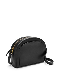 15% OFF Fossil Chelsea Crossbody ZB7633001 RM 659.00 NOW RM 560.15 Sizes  One Size · Fossil black Fossil Ryder Black Satchel Bag ZB7412001  CD09AAC253F4FDGS 1 cf730846dc155