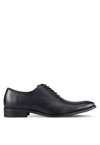 ZALORA black Essential Faux Leather Dress Shoes 53AD5AA6CC2B74GS_1