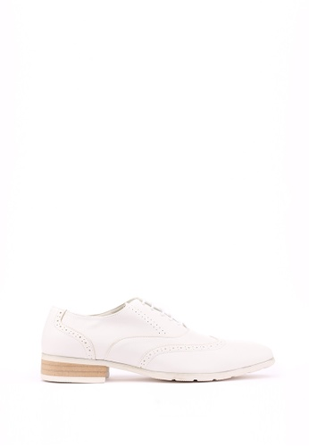 Kings Collection white Walden Shoes 8DD41SHAF430EDGS_1