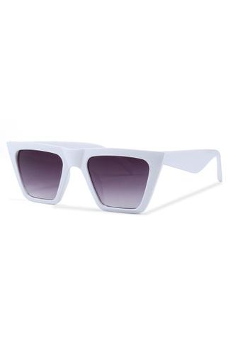 Quattrocento Eyewear Quattrocento Eyewear Italian Sunglasses with Gradient Dark Lenses Model Bianco EE8D6GL310E296GS_1