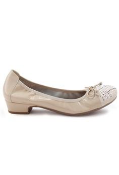 0a240a01fafc Shu Talk beige Patent Round Toe Studs Low Heel Shoes C7F4FSHFF36E47GS 1