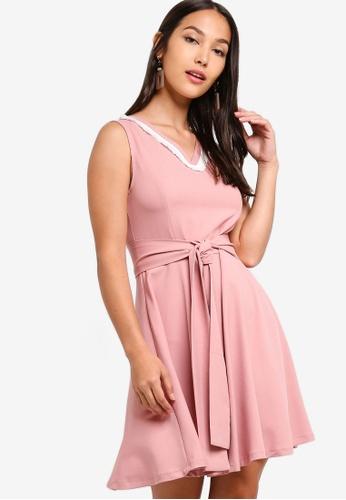 ZALORA 粉紅色 無袖修身喇叭裙洋裝 844AFAAF517F80GS_1