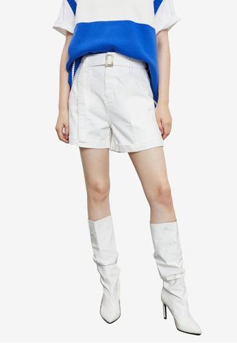 Urban Revivo white Belted Shorts 0AB1BAAB47438AGS_1