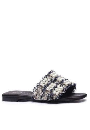 Twenty Eight Shoes 珍珠扣拖鞋101-9 867E7SH0C11807GS_1