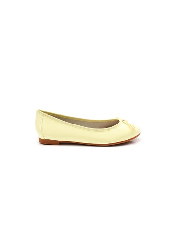 Elisa Litz yellow Gwyneth Flats (Yellow) 9DCCASH88930B8GS_1
