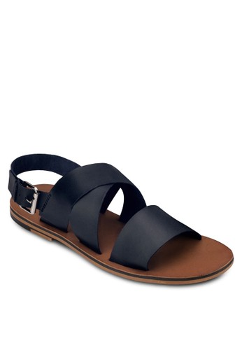 zalora 台灣門市皮革寬帶平底涼鞋, 鞋, 拖鞋