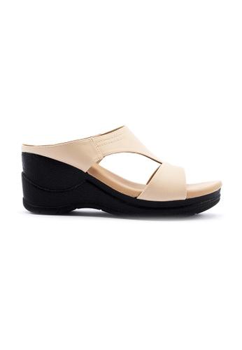 Unifit 米褐色 T-Shape Wedge Sandal EDA55SH21EFFD6GS_1