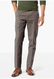 7974de8aa065e7 Dockers Workday Khaki Pants With Smart 360 Flex, Slim Tapered Fit 36272-0004