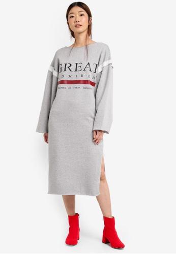 Stylenanda grey Slit Back Oversized Graphic Sweat Dress ST343AA0SXJWMY_1