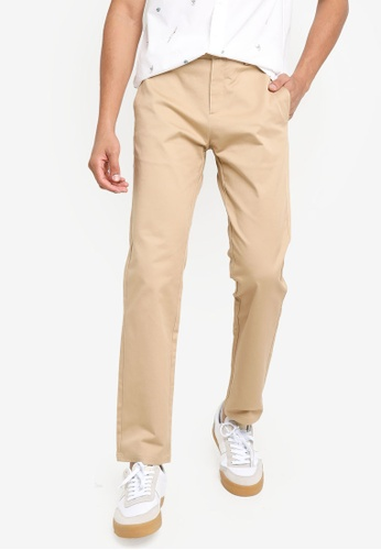 Urban Revivo brown Woven Trousers 175F4AAF51AFC8GS_1