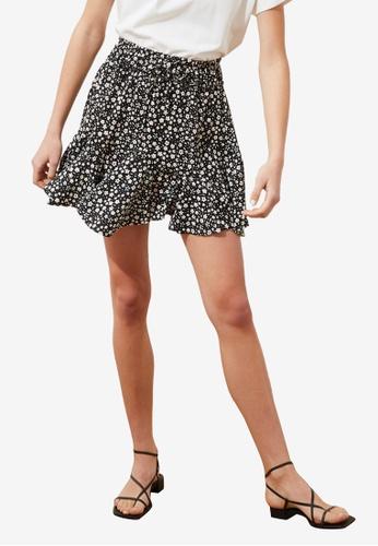 Trendyol black Printed Flowy Skirt 56334AA990212AGS_1
