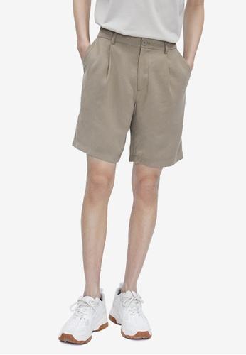URBAN REVIVO brown Dart Shorts 147F9AAC003FA7GS_1