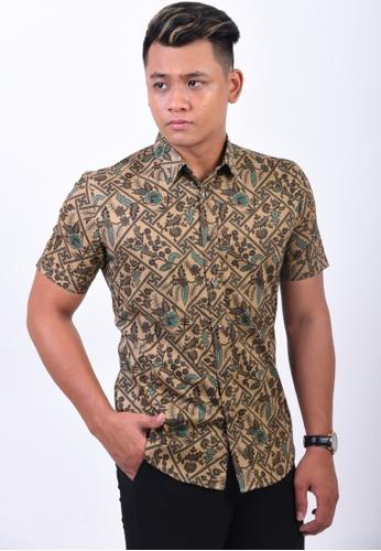 UA BOUTIQUE brown Short Sleeve Shirt Batik UASSB29-083 (Brown) 3287AAA1FA837CGS_1